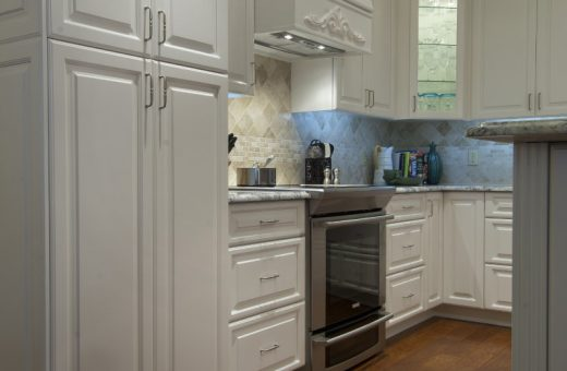 Seldes Tampa Designer White Cabinetry