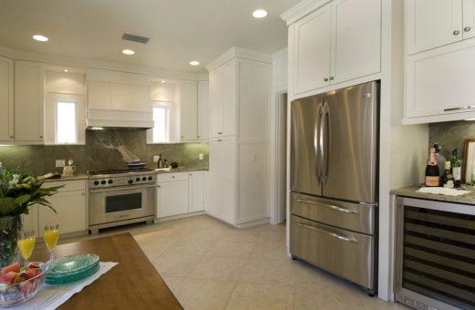 Seldes Tampa Designer Granite Kitchen